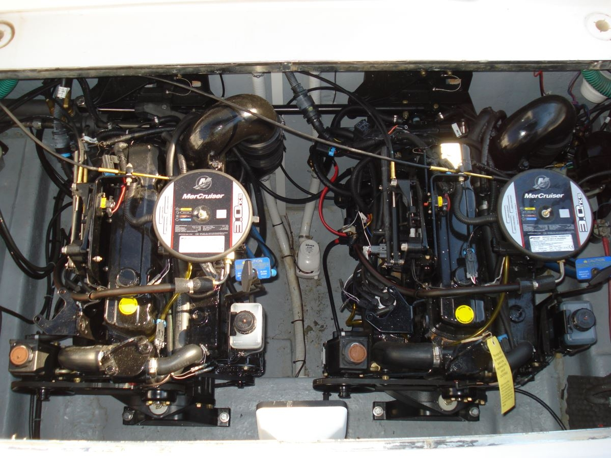 Motor change on Sea Ray boat